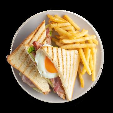 Клаб сэндвич с беконом и картофелем фри